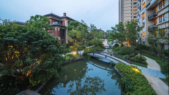 1.桐乡天宸-龙湖·天宸原著森屿墅将小桥流水搬进自家园林里498.png