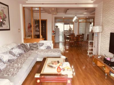 骏园小区5楼 送储精装修大3房 户型全明正气 有钥匙看房随时