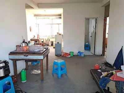 山水新村2楼 88平3房 送大储藏室 没公摊面积 户型完美 45万 机会请把握