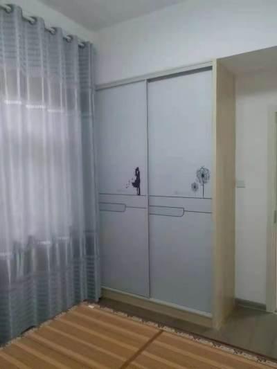 郑梁梅学校房产证齐全两室两厅精装修