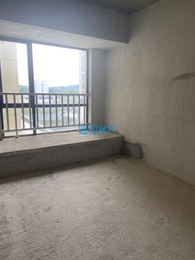 新星学区房,凯旋广场,3房2厅2卫,证件在手,即买即过户!!