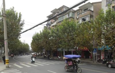江滨西路剡山学区房阳光好结构好5+阁楼.