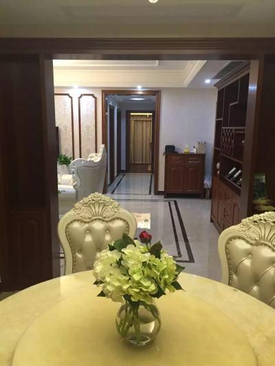 滨江壹号,房产证满2年, 143.3平米,再赠送面积30