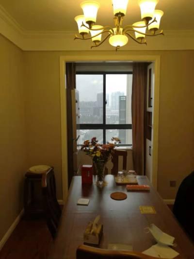 和泰国际高层,三室精装,入住不足一个月。看房提前预约