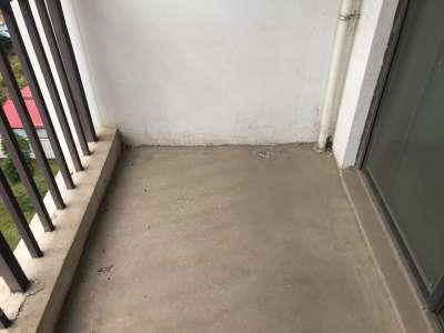 临近东站慈馨佳苑两室朝南满两年有钥匙中间楼层