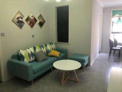 佳山新村东边户精装多层温馨三室坐拥繁华CBD雨山湖风景区